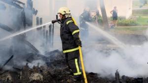 Пожарные за работой.  Архивное фото, автор - Матти Кямяря