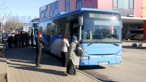 Автобус на уездной линии (Пеэтер ЛИЛЛЕВЯЛИ, архив)