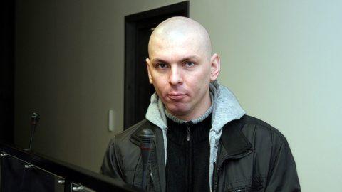 Евгений Паршин отказывался от дачи показаний как во время досудебного производства, так и в ходе судебного процесса, поэтому причина поножовщины так и не была выяснена.