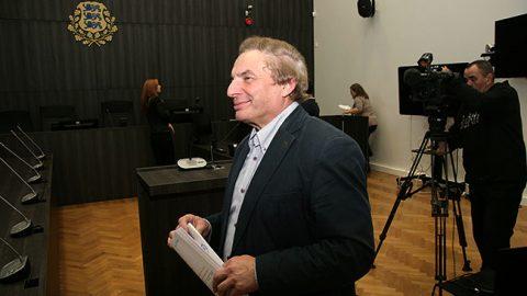 Евгений Соловьев 28 октября 2015 года в зале Вируского уездного суда после получения обвинительного приговора. Как тогда, так и до самого конца всего процесса он свою вину отрицал и отказывался уходить с должности мэра до вступления обвинительного приговора в силу в августе 2016 года, после чего он был вынужден подать в отставку.
