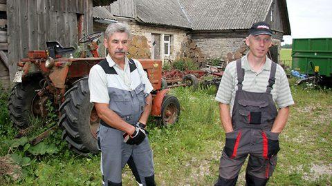 …сезонно на помощь приходит замещающий хуторянин - например, в 2014 году это был Айвар Хиртентреу.