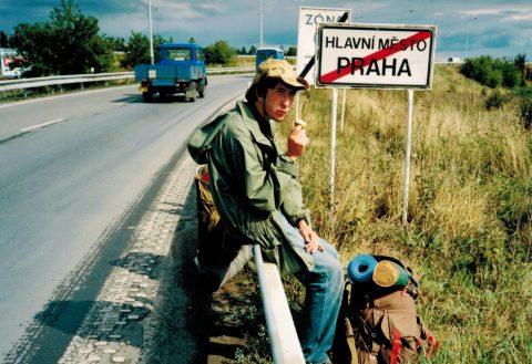 В 1995 году состоялось первое продолжительное путешествие автостопом по Восточной Европе.