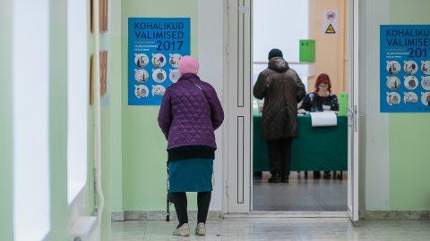 Голосование на местных выборах в Нарве (Фото: Илья СМИРНОВ/АРХИВ)