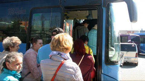 Бесплатные обеды бывают? Ида-вирумааские самоуправления разошлись по транспортному вопросу, однако с небольшим перевесом верх взяли сторонники бесплатного автобусного транспорта. (Фото: Пеэтер ЛИЛЛЕВЯЛИ)