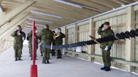 Новый тир Вируского батальона открыли в 2016 году. В 2020 году следующую символическую пулеметную ленту разорвут, наверное, уже перед новой казармой. (Фото: Матти КЯМЯРЯ/АРХИВ)